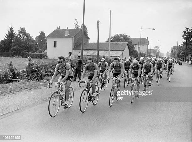 French Louison Bobet Charly Gaul of Luxembourg French Raphaël Geminiani French Antonin Rolland and Belgium Jean Brankart lead the pack on July 27...