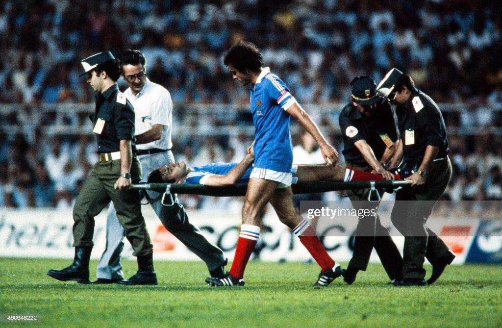 FBL-WC-1982-WEST GER-FRA : News Photo
