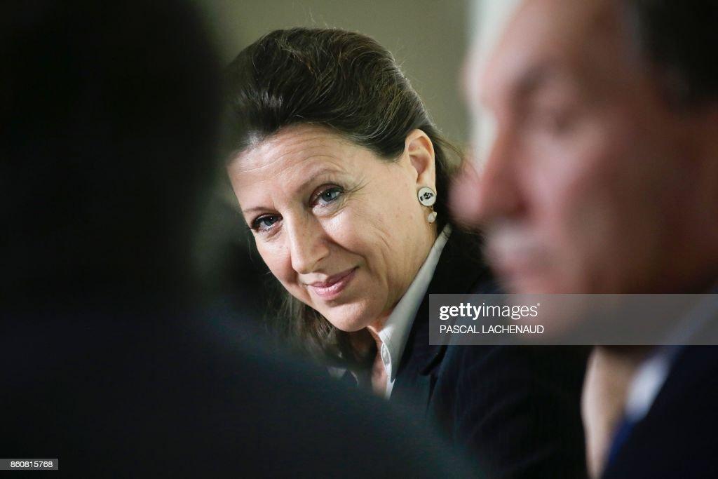 FRANCE-POLITICS-GOVERNMENT-HEALTH : News Photo