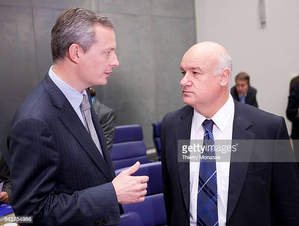 French Minister of of Food Supply Agriculture Fisheries Bruno LE MAIRE is talking with EU fischeries Commissioner Joe BORG prior the start of an...