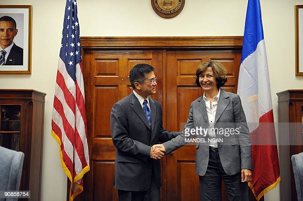 French Minister of State for Foreign Trade AnneMarie Idrac meets with US Commerce Secretary Gary Locke September 16 2009 in the Diplomatic Reception...
