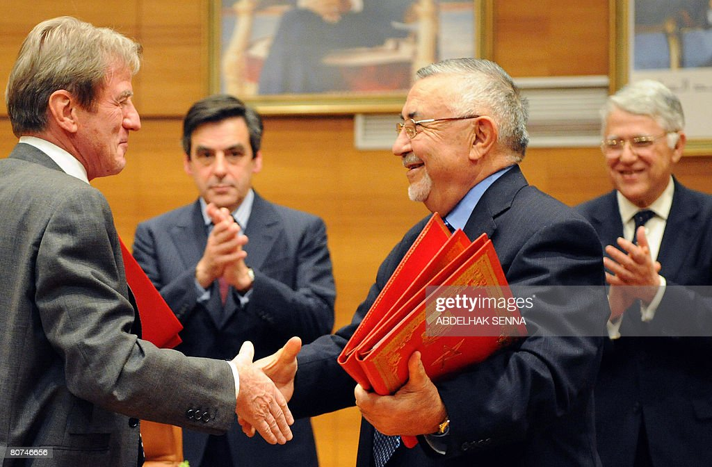 French Minster of Foreign Affairs Bernar : News Photo