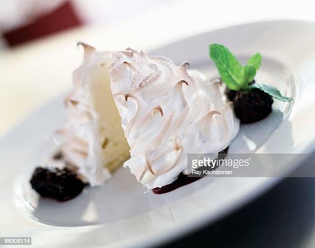 french mont blanc dessert - 卵白 ストックフォトと画像