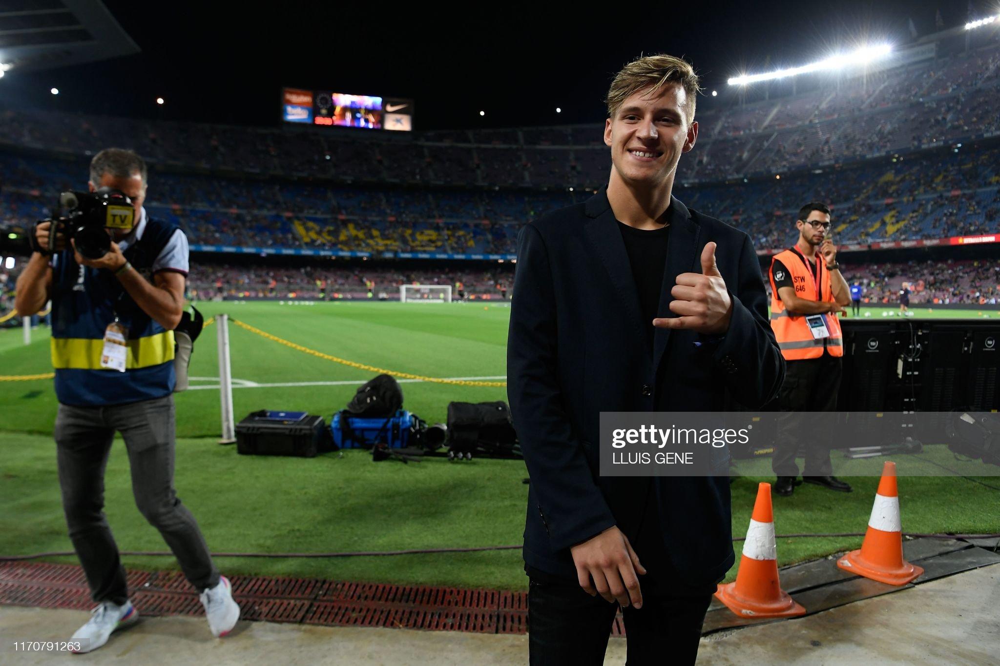 صور مباراة : برشلونة - فياريال 2-1 ( 24-09-2019 )  French-motogp-rider-fabio-quartararo-poses-prior-to-the-spanish-picture-id1170791263?s=2048x2048
