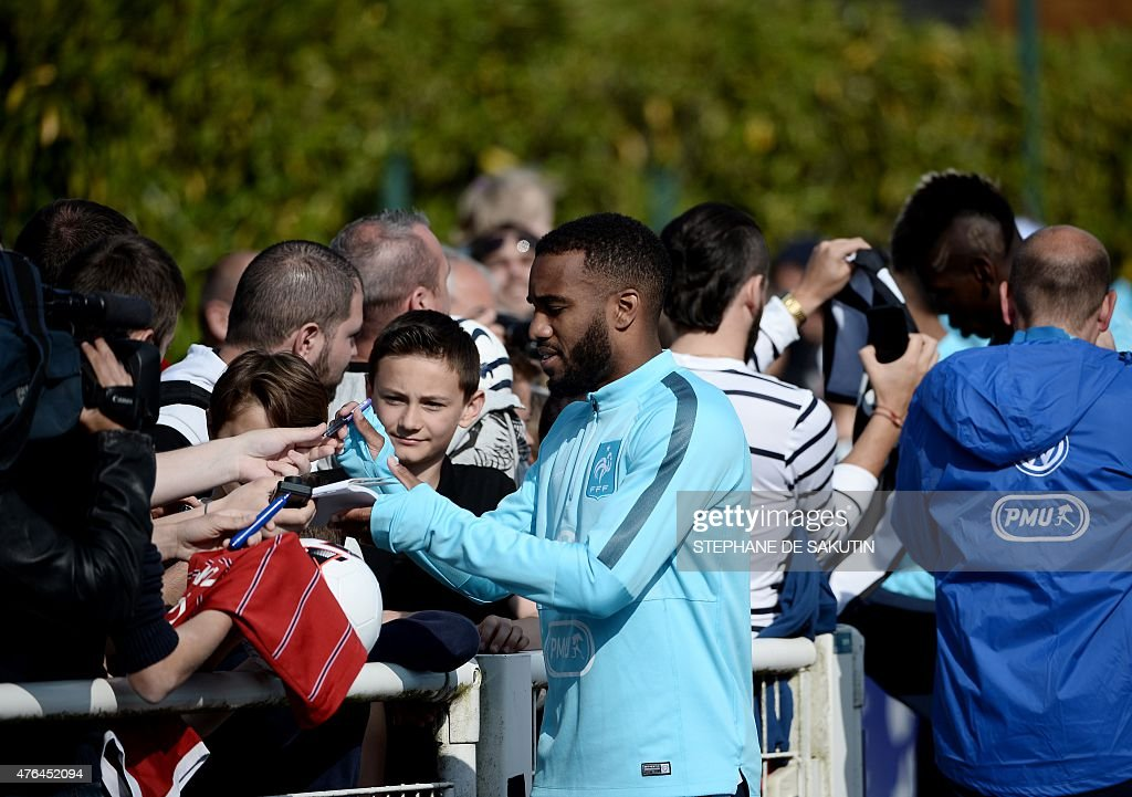 FBL-EURO-2016-FRA-TRAINING : News Photo