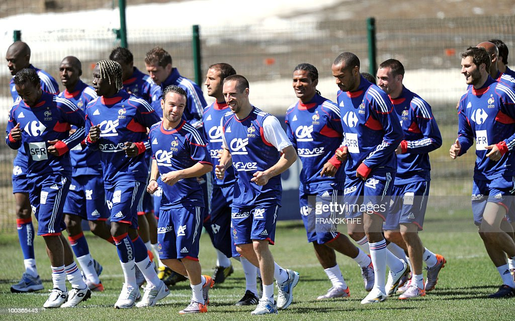 French national football team runs during a training session, on May 24, 2010, near Tignes in the French Alps, as part of the preparation for the upcoming World Cup 2010. France will play against Uruguay in Capetown in its group A opener match on June 11.