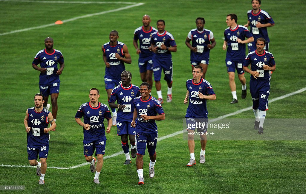 French national football team runs during a training session, on May 28, 2010, in Sousse, as part of the preparation for the upcoming World Cup 2010. France will play against Uruguay in Capetown in its group A opener match on June 11.