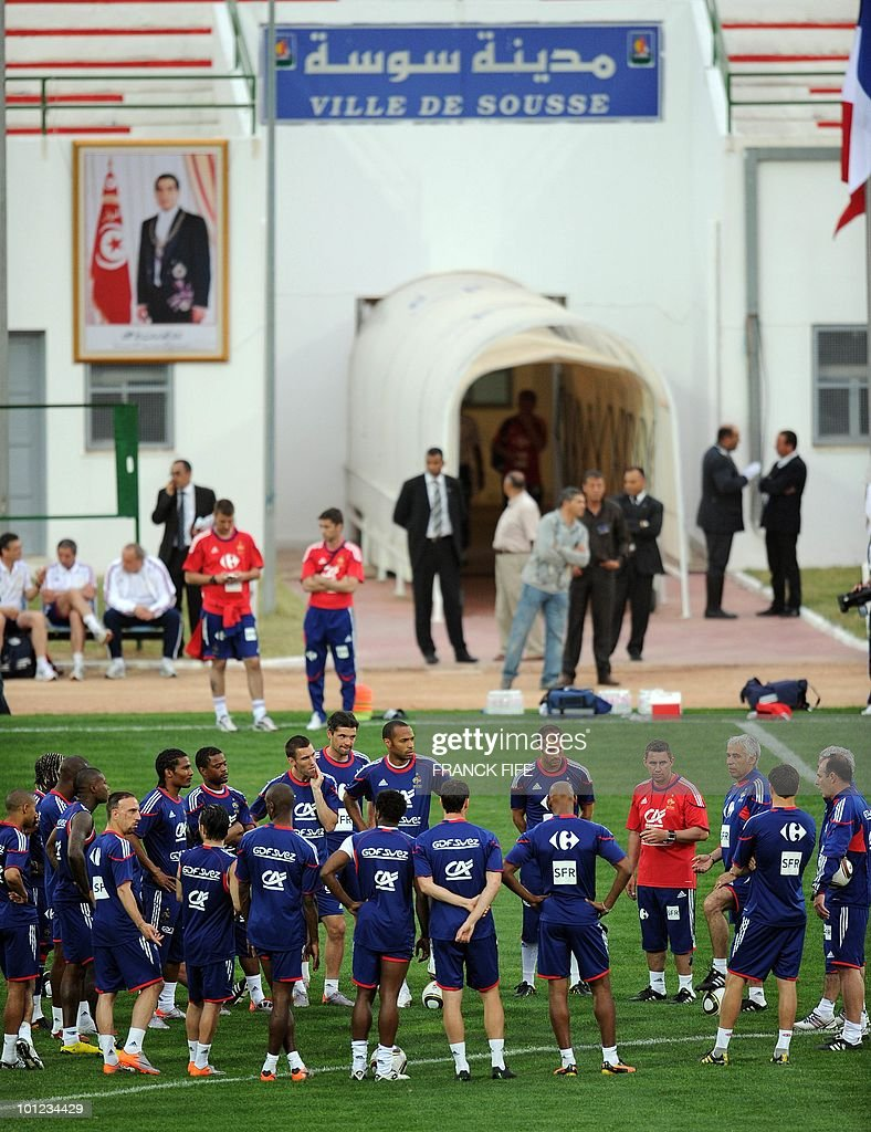 French national football team's assistant coach Pierre Mankowski (R) gives instructions to his players during a training session, on May 28, 2010, in Sousse, as part of the preparation for the upcoming World Cup 2010. France will play against Uruguay in Capetown in its group A opener match on June 11.