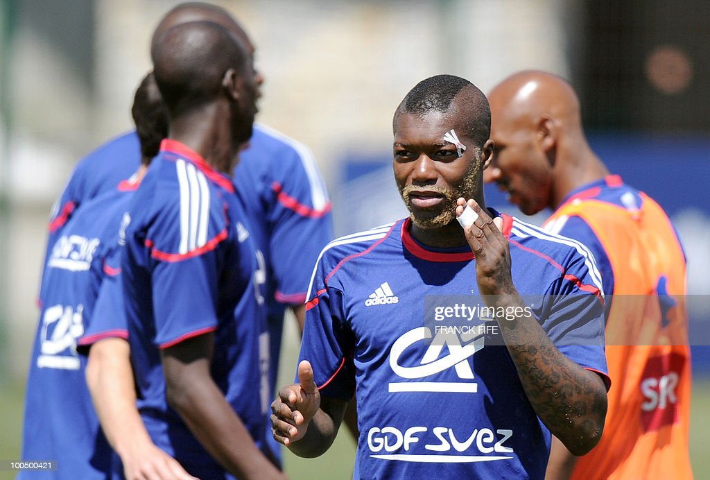 French national football team's forward Djibrill Cisse takes part in a training session, on May 25, 2010, near Tignes in the French Alps, as part of the preparation for the upcoming World Cup 2010. France will play against Uruguay in Capetown in its group A opener match on June 11.