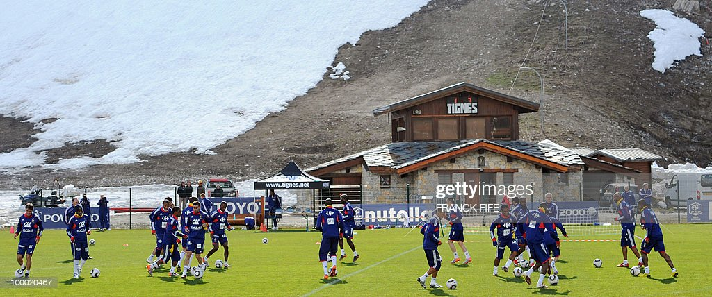 French national football team's players during a training session, on May 20 , 2010 in Tignes, French Alps, as part of their altitude training in preparation for the 2010 World cup in South Africa. France will play Uruguay in Capetown in its Group A opener match on June 11.