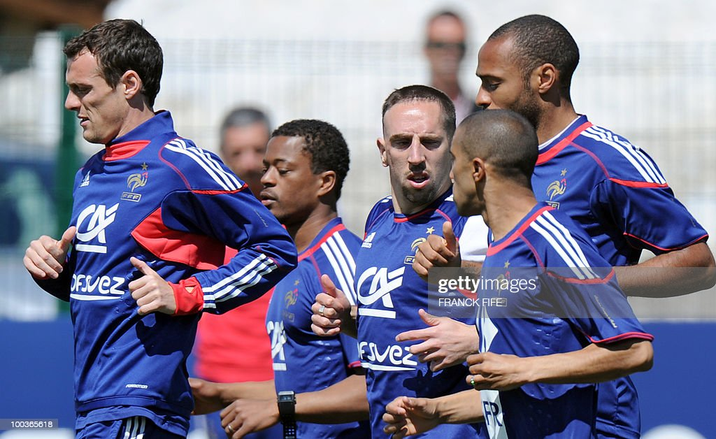 French national football team's players Sebastien Squillaci, Patrice Evra, Franck Ribery, Gael Clichy and Thierry Henry run during a training session, on May 24, 2010, near Tignes in the French Alps, as part of the preparation for the upcoming World Cup 2010. France will play against Uruguay in Capetown in its group A opener match on June 11.