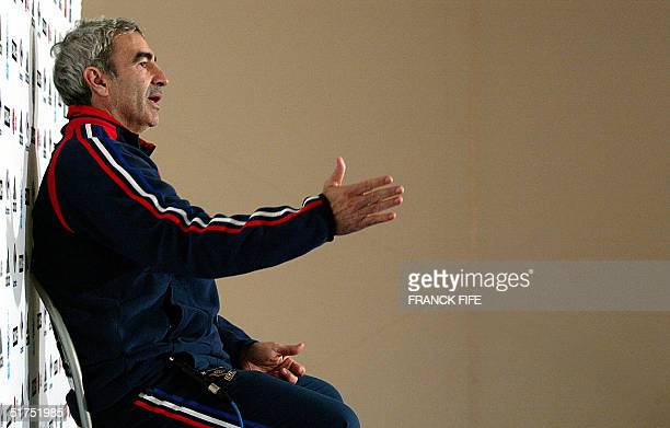 French national soccer team's coach Raymond Domenech answers journalists' questions, 16 November 2004 during a press conference in Clairefontaine,...