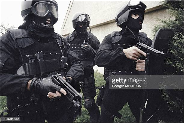 French National SWAT team RAID In Versailles France On January 20 1998 Exercises in gaining ground under fire for French SWAT team at the Versailles...