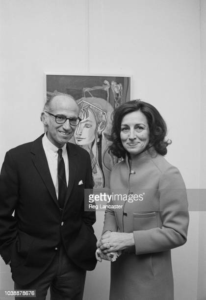 French painter critic and bestselling author Françoise Gilot and her husband American medical researcher and virologist Jonas Salk UK 27th November...