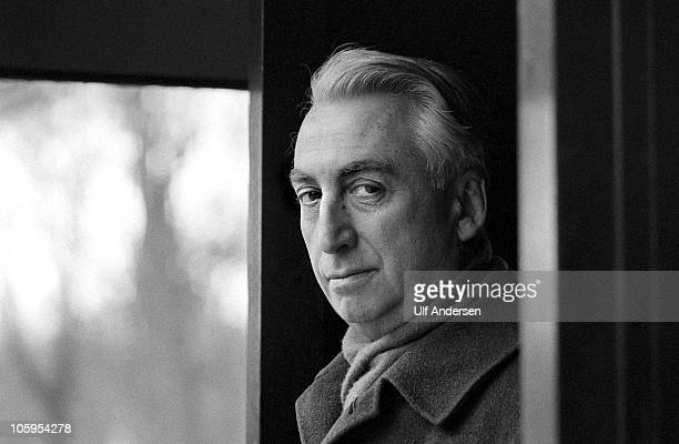 French philosopher Roland Barthes poses during a portrait session held on January 25, 1979 in Paris, France.