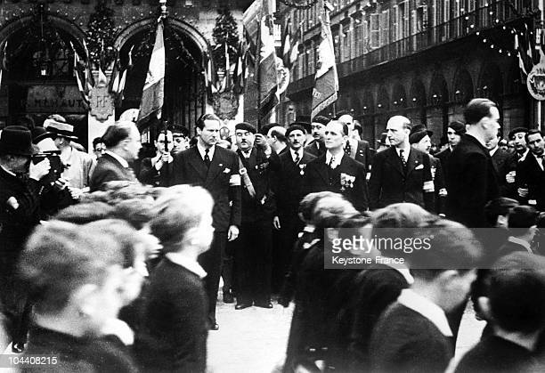 French pilot Jean MERMOZ and Colonel DE LA ROCQUE marching upon JOAN OF ARC Day on May 1935 in Paris