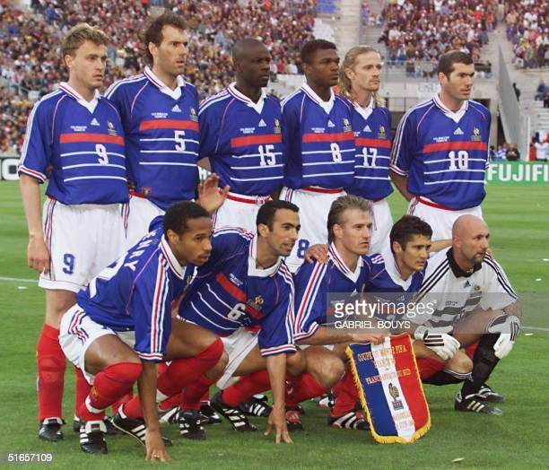 French players pose for the team picture 12 June at Velodrome Stadium in Marseille before the 1998 Soccer World Cup Group C first round match between...