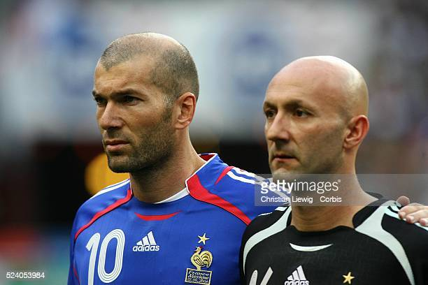 French players Zinedine Zidane and Fabien Barthez before the match played between France and Mexico at Stade de France as part of the pre World Cup...