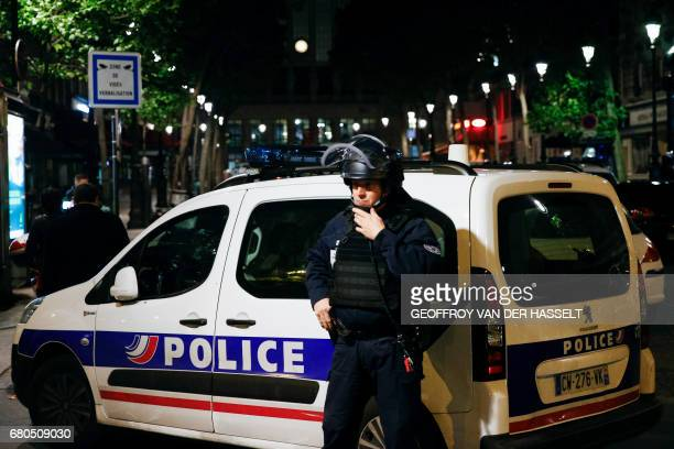 42 Police Operation At Gare Du Nord In Paris Photos And Premium High Res Pictures Getty Images