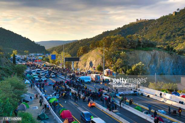 French police remove separatist Catalonian protesters block the border between France and Spain on November 12, 2019 in La Jonquera, Spain. The...