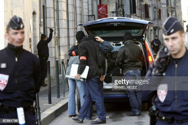 French policemen arrive to the headquarter of the separatist political party Batasuna in Bayonne southwestern France on September 24 2008 after the...