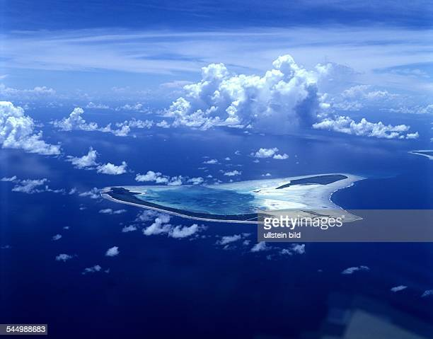 French Polynesia Kiribati Insel View upon the island