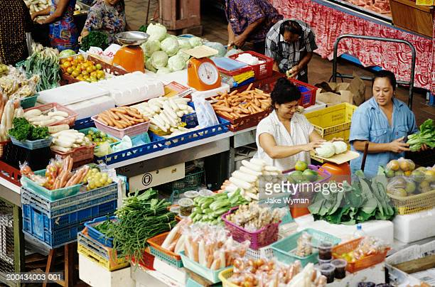 french polynesia, society islands,  papeete, market scene - tahiti stock pictures, royalty-free photos & images