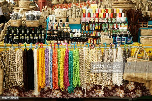 french polynesia, tahiti, papeete, seashell necklace and handicraft at display in a market - tahiti stock pictures, royalty-free photos & images