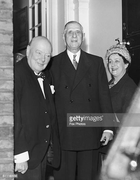 French President Charles de Gaulle and his wife visit exprimeminister Winston Churchill at his home in Hyde Park gate London 6th April 1960