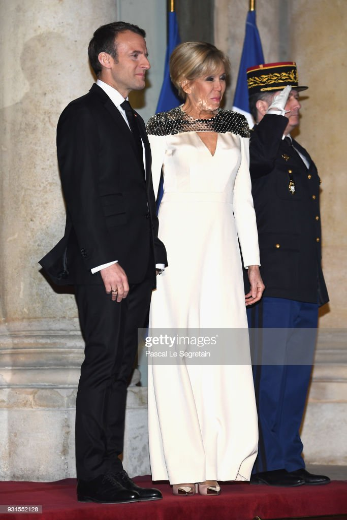 CASA REAL DE LUXEMBURGO - Página 44 French-president-emmanuel-macron-and-brigitte-macron-attend-a-state-picture-id934552128