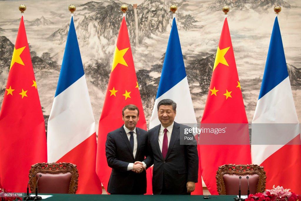 French President Emmanuel Macron Visits China : Photo d'actualité