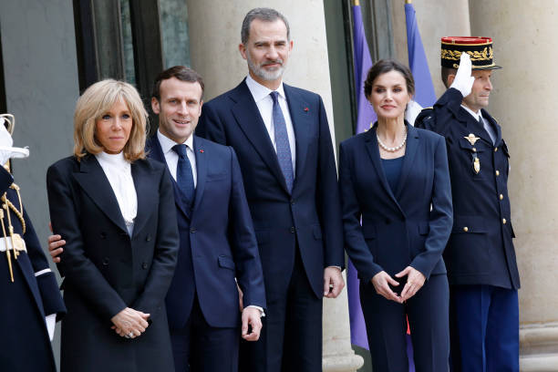 FRA: King Felipe and Queen Letizia Of Spain Are Receive By President And Brigitte Macron