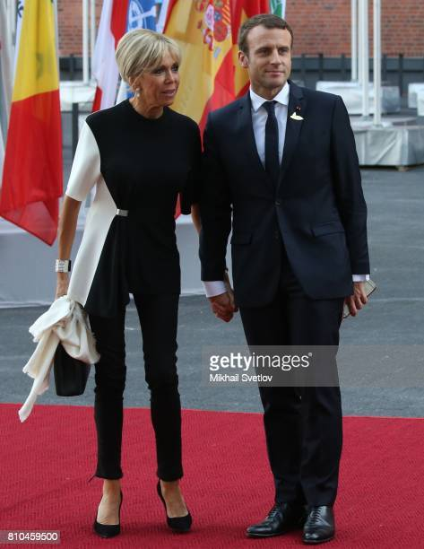 French President Emmanuel Macron and his wife Brigitte Trogneux arrive to the Elbphilharmone for the dinner during the G20 Summit on July2017 in...
