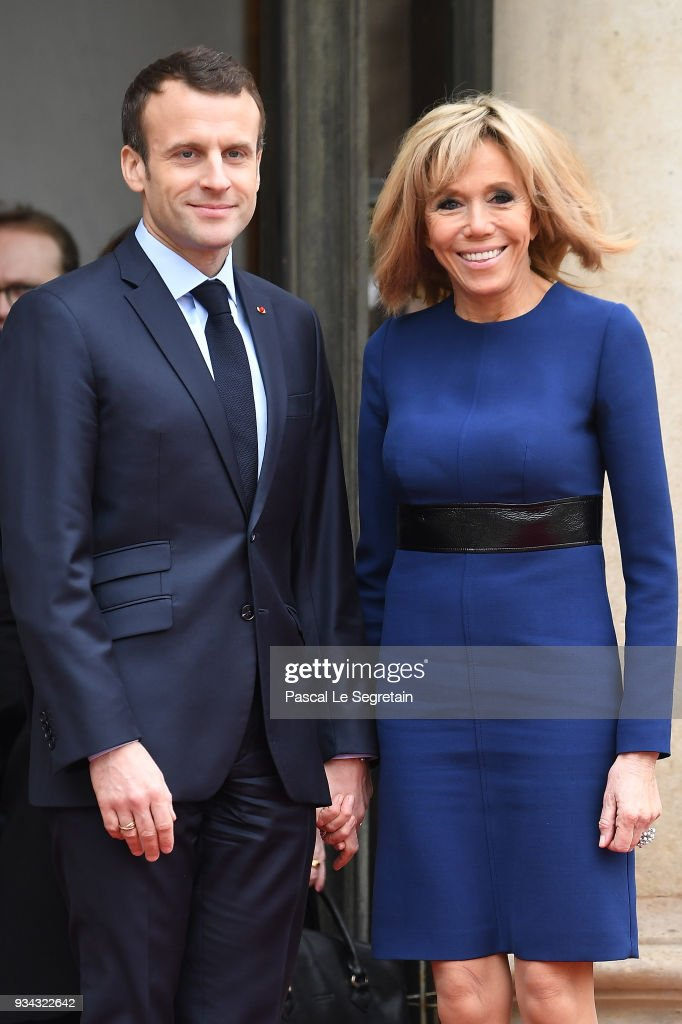 French President Emmanuel Macron And Wife Brigitte Macron Pose In The News Photo Getty Images