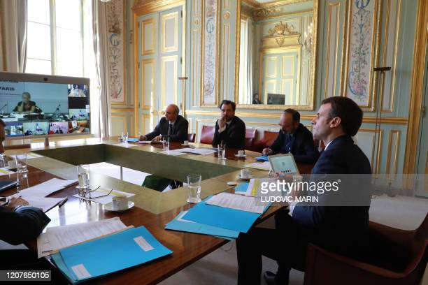 French president Emmanuel Macron Prime minister Edouard Philippe Prime Minister's chief of staff Benoit RibadeauDumas and other advisers take part to...
