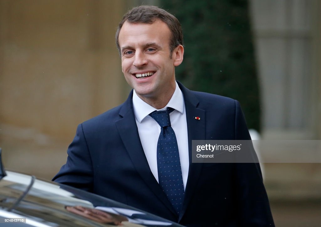 French President Emmanuel Macron Receives Erna Solberg the Prime Minister of Norway At Elysee Palace In Paris : Fotografía de noticias