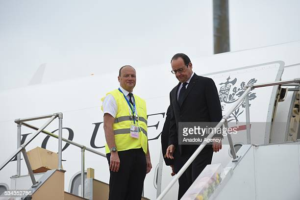 French President Francois Hollande arrives at Chubu Centrair International Airport in Tokoname, Aichi Prefecture, central Japan, 25 May 2016.