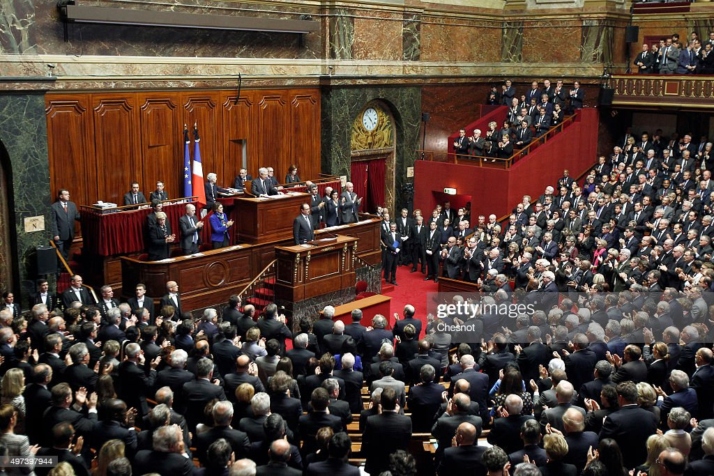 French President Francois Hollande Addresses Both Houses Of Parliament : Nieuwsfoto's