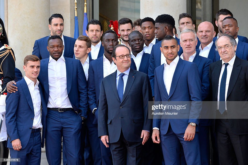 French President Francois Hollande Receives France Soccer Team At Elysee Palace in Paris : News Photo