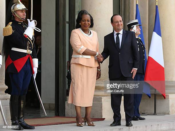 French President Francois Hollande receives Central African Republic President Catherine Samba Panza at Elysee Palace on April 1, 2014 in Paris,...