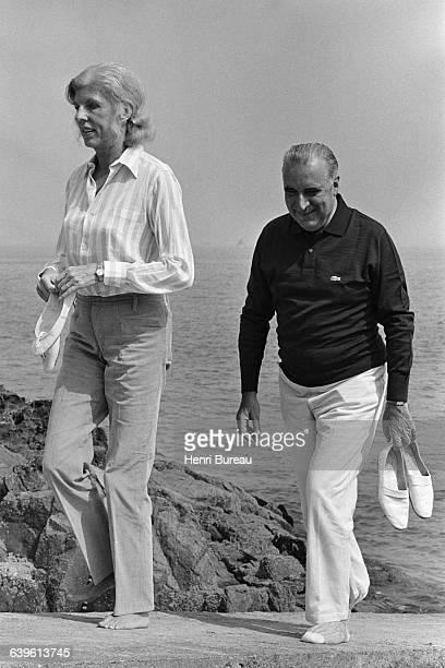 French President Georges Pompidou with his wife Claude during a weekend in Brittany at the Pointe de l'Arcouest house of Liliane Bettencourt