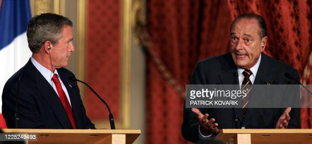 French president Jacques Chirac gives a press conference with his US counterpart George W. Bush after their meeting 05 June 2004, at the Elysee...