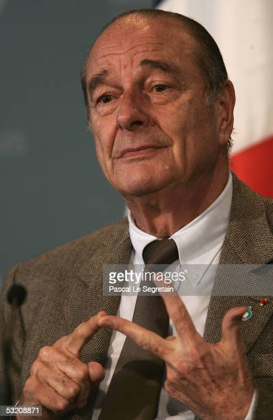 French President Jacques Chirac holds a press briefing during the G8 Summit July 7, 2005 in Gleneagles, Scotland.
