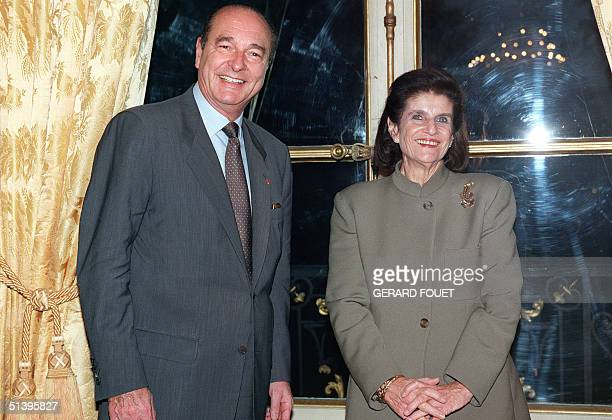 French President Jacques Chirac meets 20 December 1995 at the Elysee Presidential Palace in Paris with Lea Rabin widow of slain Israeli Premier...
