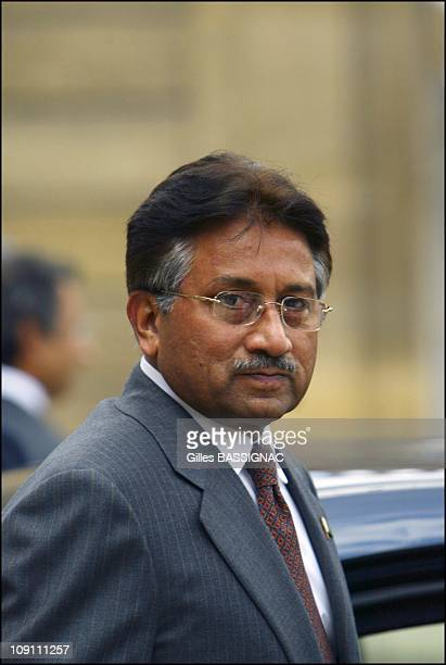 French President Jacques Chirac Receives Pakistani President Perves Musharraf At The Elysee Palace In Paris On July 2 2003 In Paris France