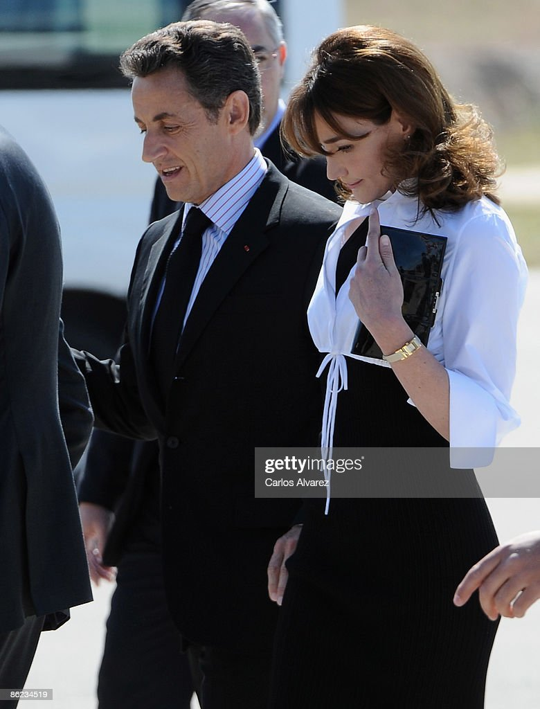 Carla Bruni and Nicolas Sarkozy became parents 15.10.2011 53