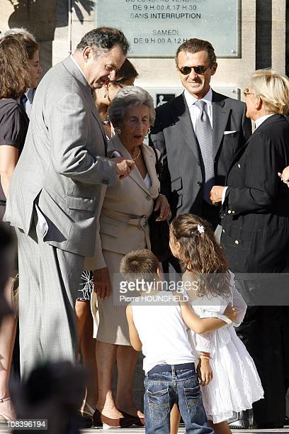 French President Nicolas Sarkozy and Nicolas Sarkozy's Family Andre Sarkozy Guillaume Sarkozy Francois Sarkozy in NeuillysurSeine France on September...