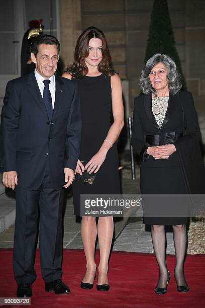French president Nicolas Sarkozy Carla BruniSarkozy and Hero Talabani attend the dinner honoring Iraq President Jalil Talabani at Elysee Palace on...
