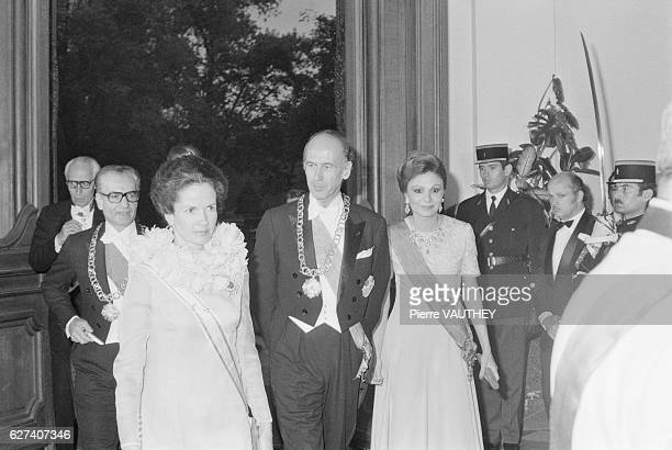 French President Valery Giscard d'Estaing and his wife First Lady AnneAymone Giscard d'Estaing welcome Mohammed Reza Pahlavi and Farah Diba the Shah...
