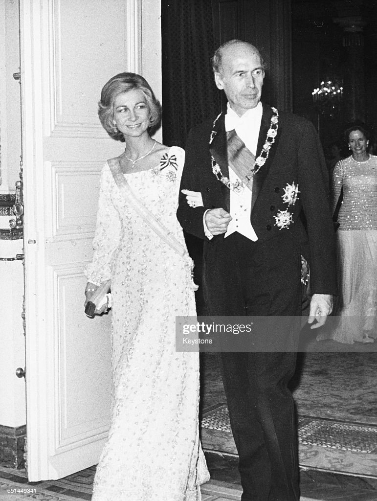 Valery Giscard d'Estaing And Queen Sofia : ニュース写真